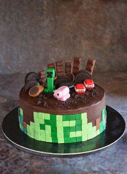 Minecraft torta készítése házilag - doboskrém recept - fondant Creeper és Minecraft malac figura egyszerűen
