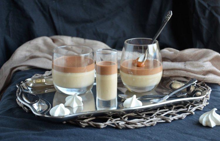 Kávémousse csokoládéval és sós karamellel, pohárban