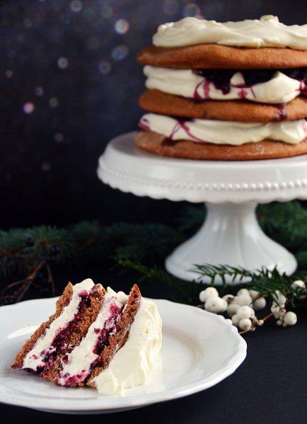 Mézeskalácstorta meggyel és mascarponehabbal - karácsonyi torta