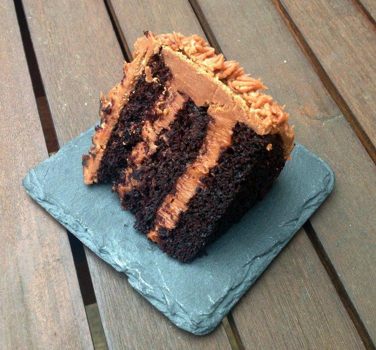 Nutellás-mascarponés csokitorta szelet - cicás torta design