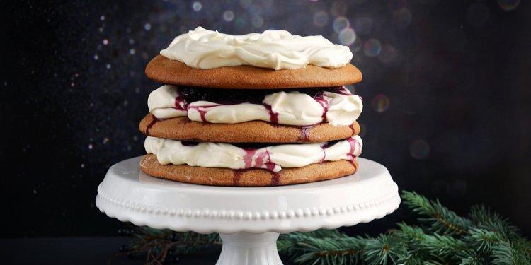 Mézeskalácstorta meggyes mascarponehabbal - karácsonyi torta egyszerűen