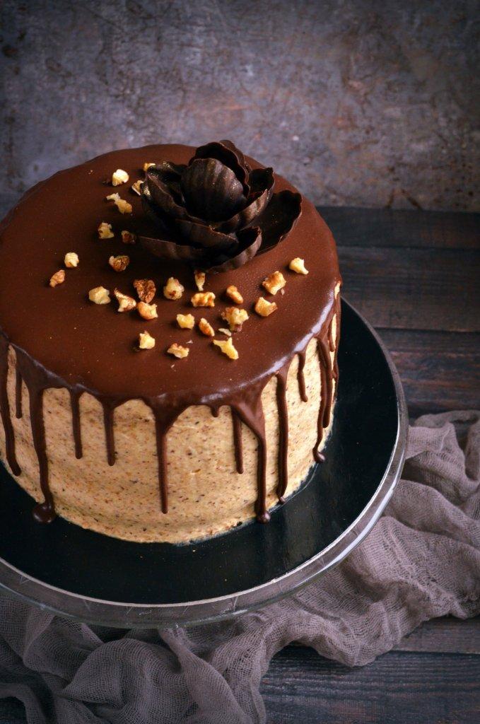 Diós mascarponés torta csokival csurgatva - recept