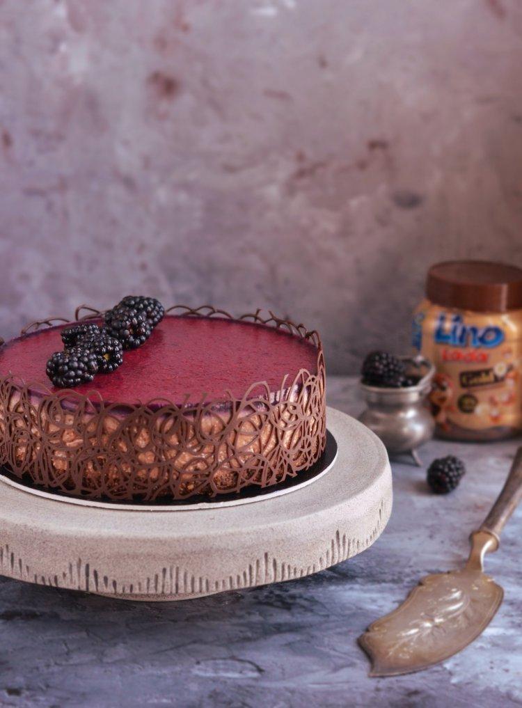 mogyorókrémes mousse torta recept házilag erdei gyümölcs zselével