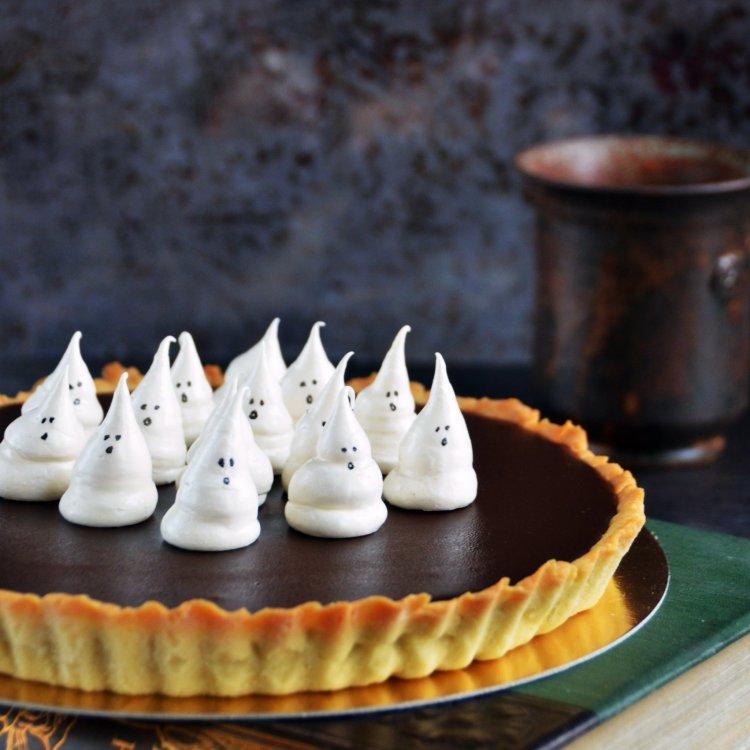 Karamelles-csokis pite szellem habcsókkal - sós karamelles csokis tart recept