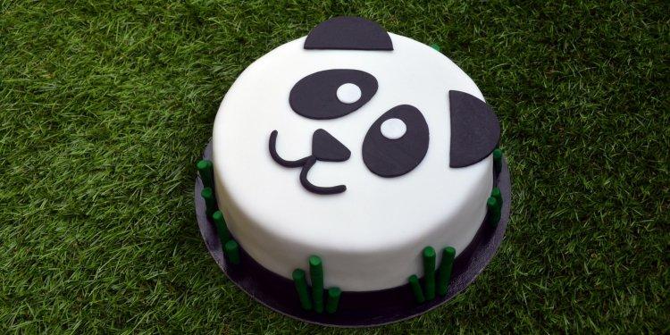 Málnatorta recept - panda torta készítése fondanttal