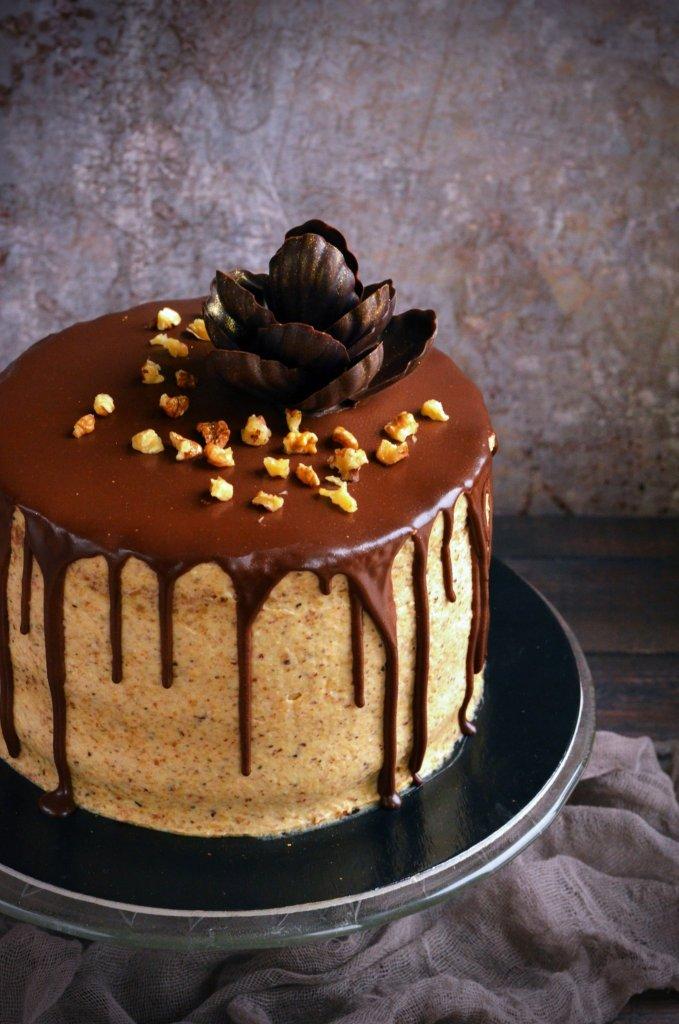 Mascarponés diótorta csurgatva recept és csokivirág