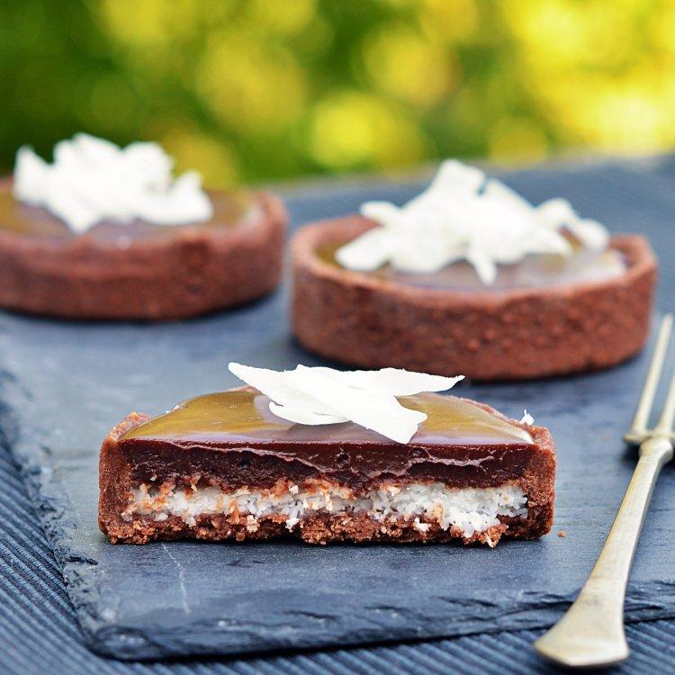 Bounty tart recept - kókuszos-csokis mini pite