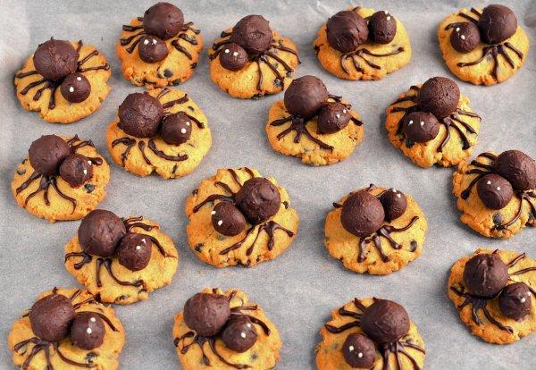 Földimogyorós trüffel pókos mogyoróvajas keksz recept - halloween-i pókkeksz készítése