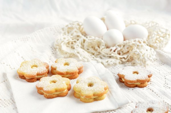 tojáslikőrös húsvéti linzer recept