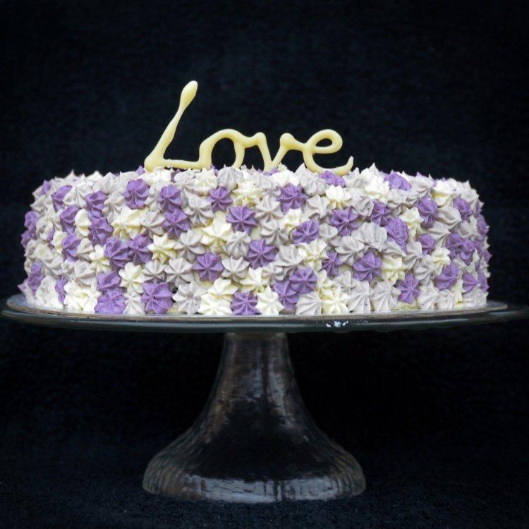 Trikolor áfonyás máktorta recept - pointillista torta