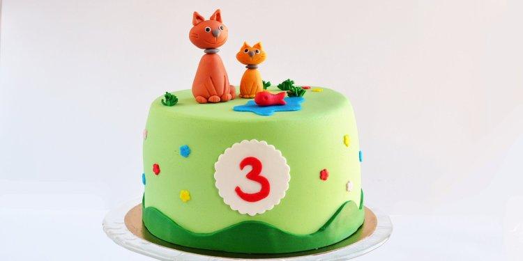 Cicás torta egyszerűen házilag - fondant cica figura készítése