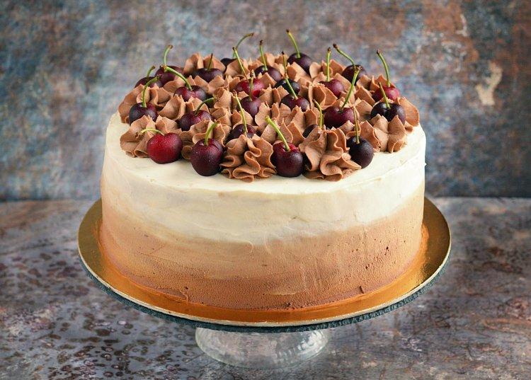 Feketeerdő torta házilag ombre díszítéssel - recept