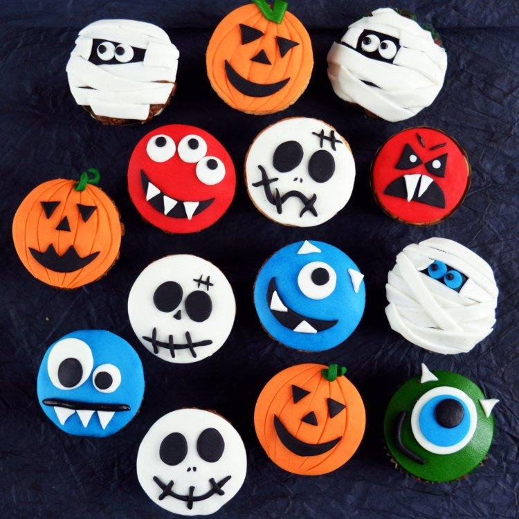 Halloween-i horror sütik - kókuszos muffin halloween-i cupcake formában