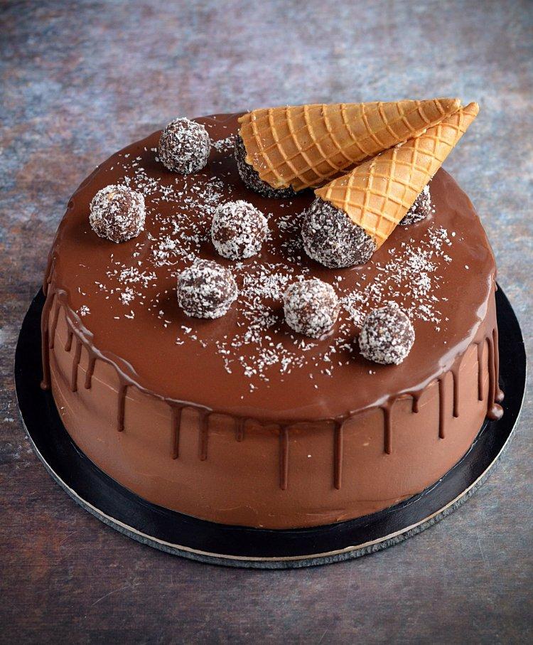 Nutellás kókuszos torta recept - kókuszgolyó torta fagyitölcsérrel