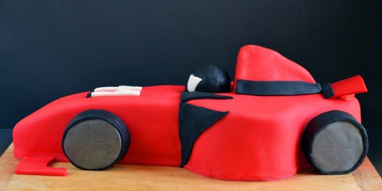 Versenyautó formatorta készítése - Forma 1 autó torta lépésről lépésre