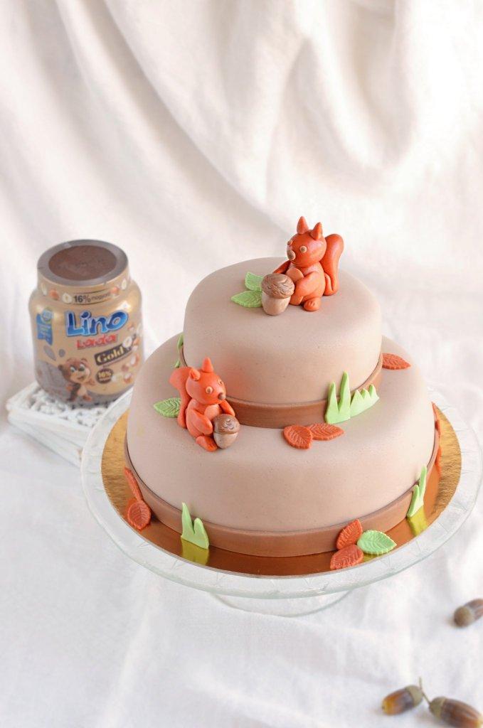emeletes mókus torta készítése - fondant mókus egyszerűen - mogyorókrémes torta recept