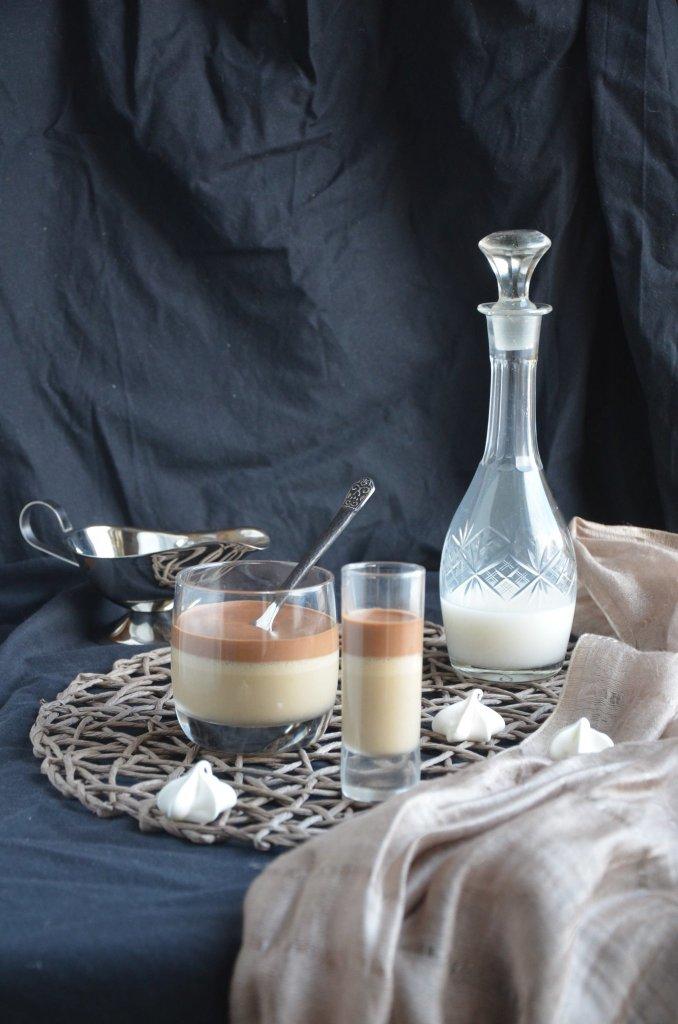 Rétegezett kávémousse sós karamell öntettel