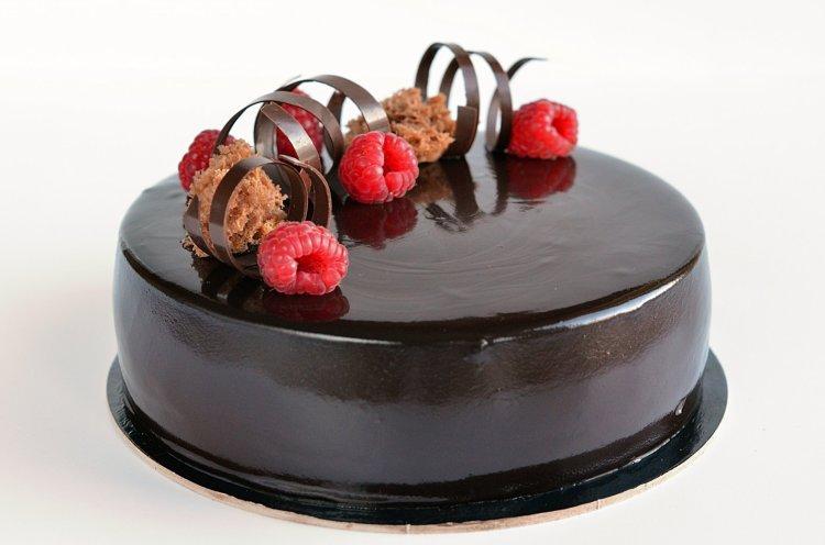 málna-csoki mousse torta recept tükörglazúrral