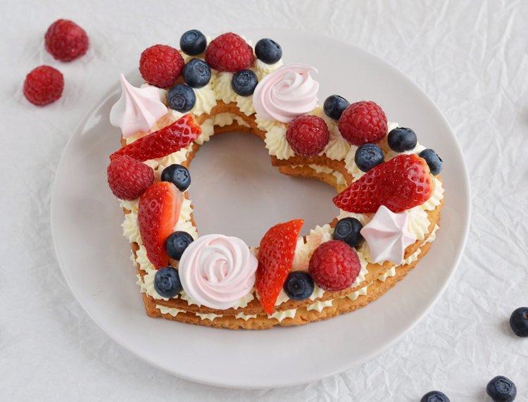 Valentin-napi cream tart szívtorta készítése - recept