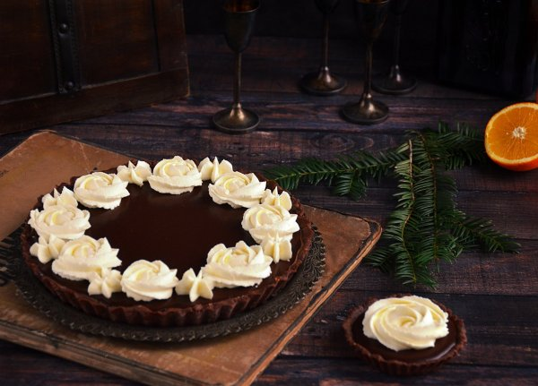 Narancsos csoki mousse tart - karácsonyi narancsos-csokis pite recept