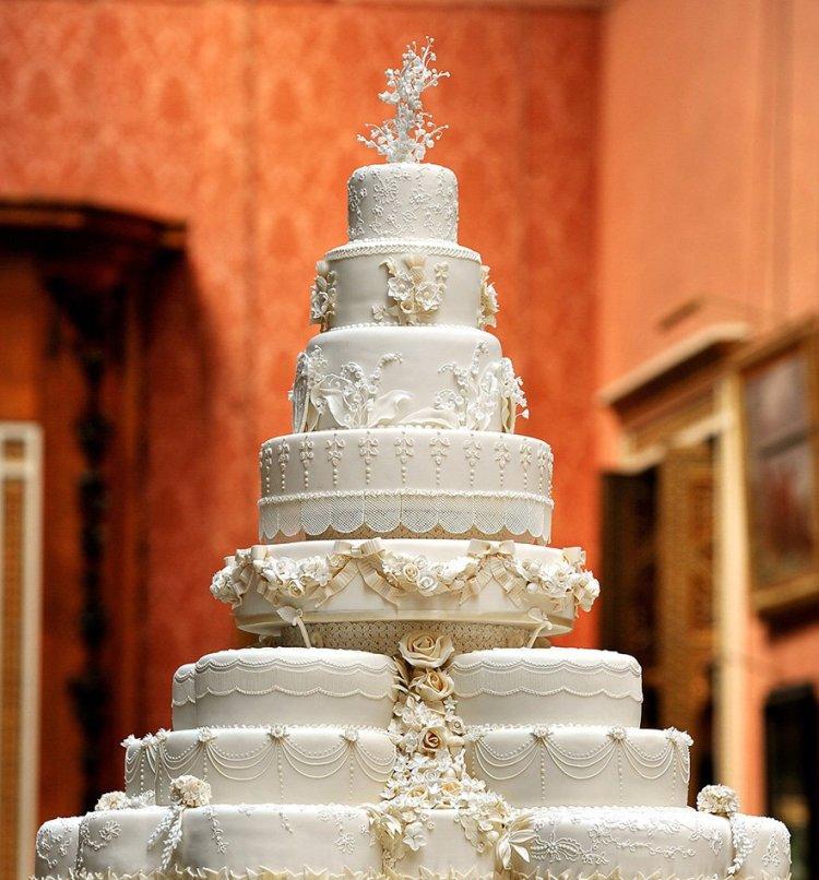 Kate Middleton és Vilmos herceg esküvői tortája