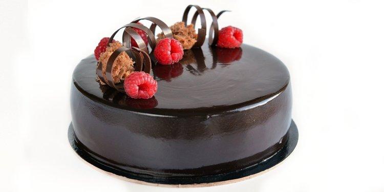 málna-csoki mousse torta recept mirror glaze-zel