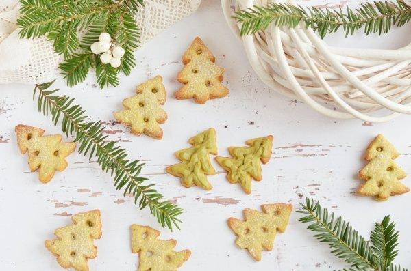 pisztáciakrémes linzerfenyő készítése - karácsonyi pisztáciás linzer recept
