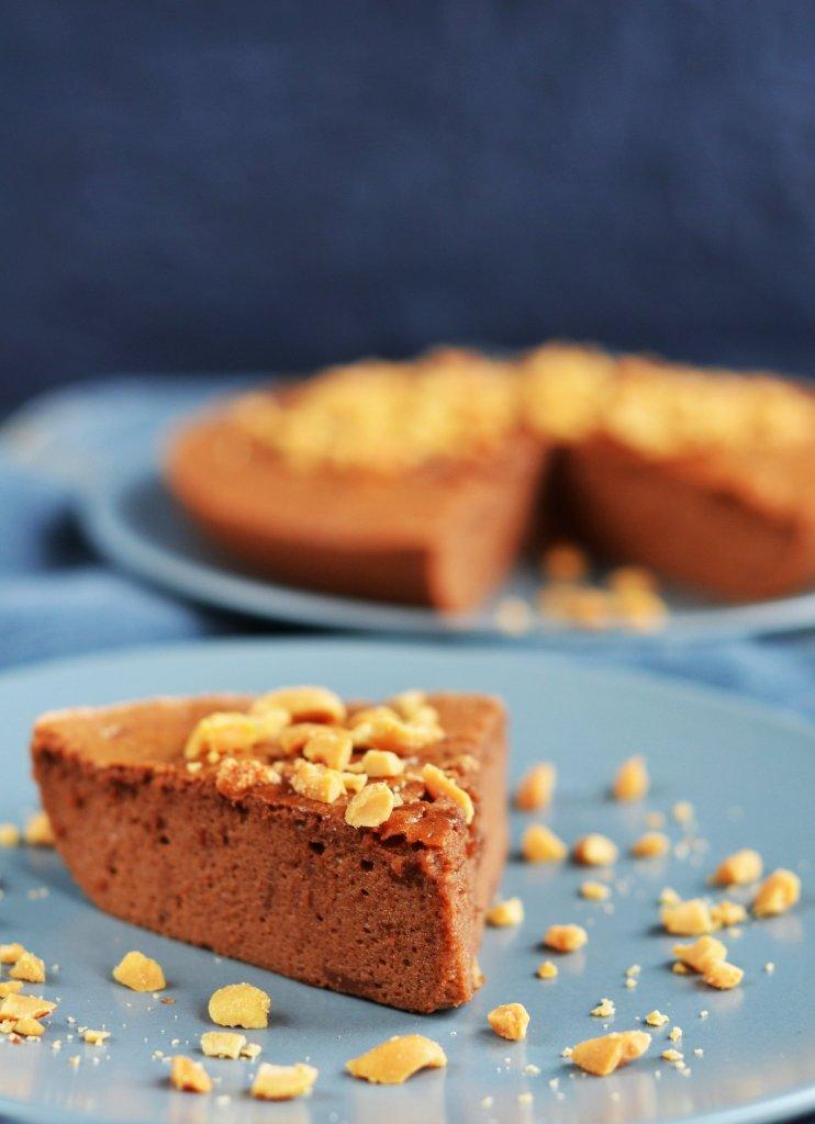 Gluténmentes földimogyorós-csokis felhőtorta recept
