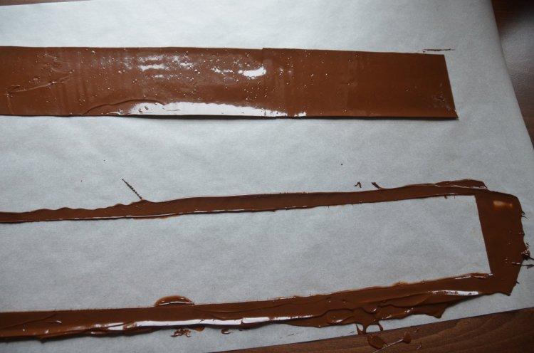 Transzferfólia használata - csokiköpeny, csokigallér készítése mintás csokoládéval