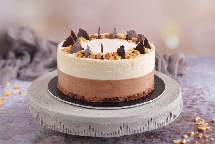 csoki-mogyoróvaj mousse torta recept - sós mogyorós mousse készítése