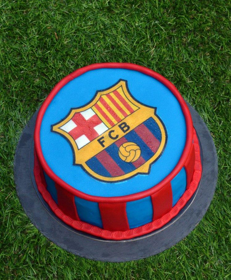 Barcelona torta - tortaostya használata fondantra