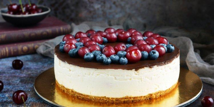 Cukormentes csokis-meggyes túrótorta recept sütés nélkül - meggyes túró rudi torta cukormentesen