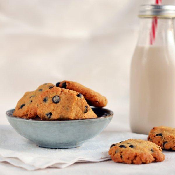 Mogyoróvajas keksz recept - egyszerű földimogyorós-csokis keksz