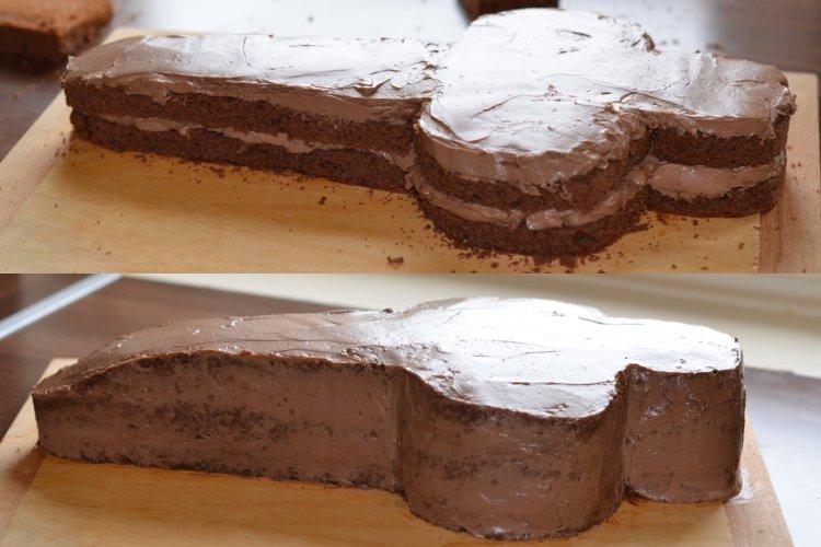 Versenyautó torta faragása - Forma 1 autó formatorta készítése házilag