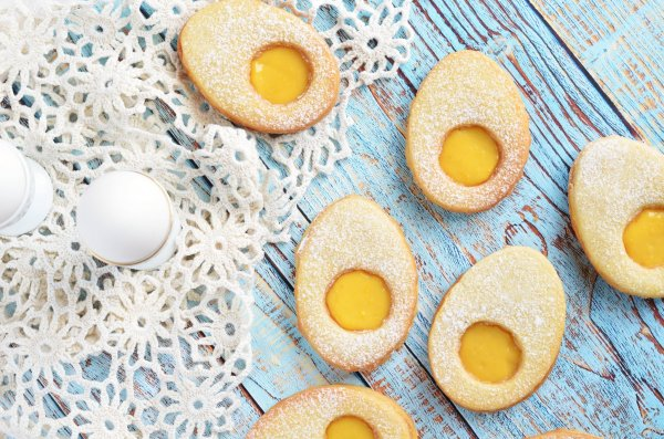 bodzás-citromkrémes tojáslinzer recept - húsvéti linzertojás lemon curd-del