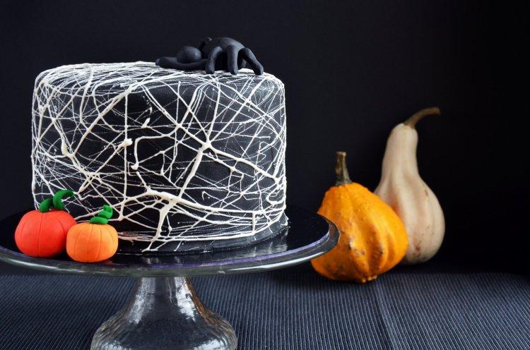 Pillecukor pókháló torta készítése - Halloween-i pókhálós torta
