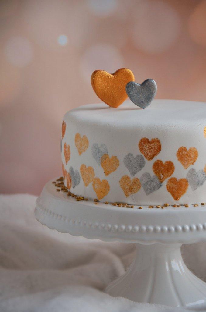 Valentin napi torta - nyomdázás tortára arany és ezüst színekben