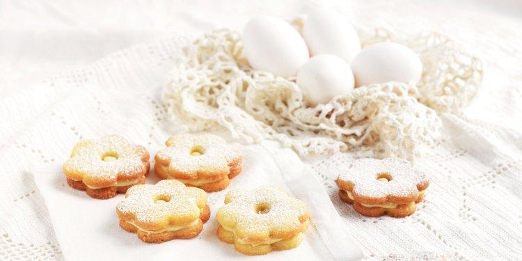 tojáslikőrös húsvéti linzer recept fehércsoki ganache-sal