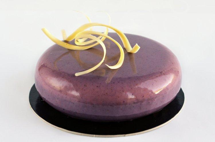 Eper-csoki mousse torta recept - mirror glaze ételfesték nélkül