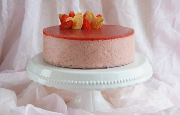 Epres-rebarbarás mousse torta recept