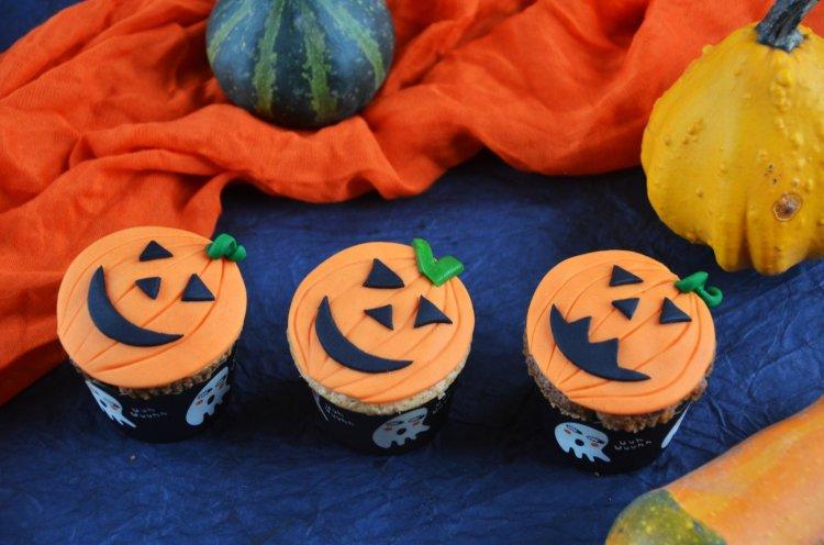 Halloween tökös muffinok, cupcake-k