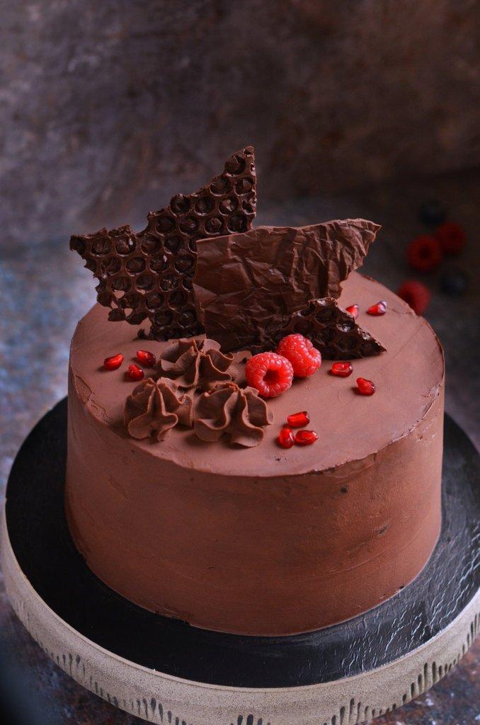 vegán csokitorta recept erdei gyümölcs pudinggal