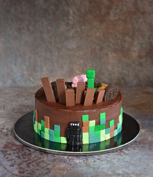 Minecraft torta készítése házilag - doboskrém recept - fondant Enderman figura egyszerűen