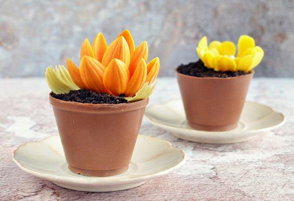 Ehető csoki virágcserép készítése - színes csoki virág ételfesték nélkül