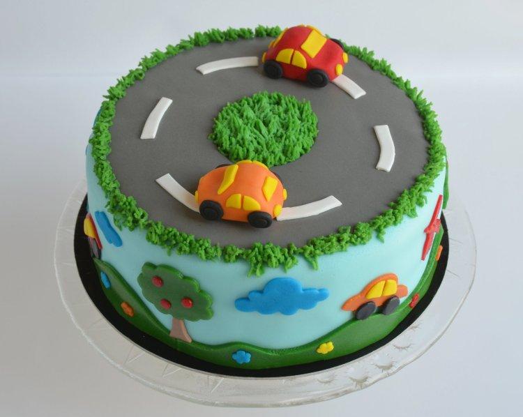 Autós torta útmutató , autópálya fondantból, marcipánból