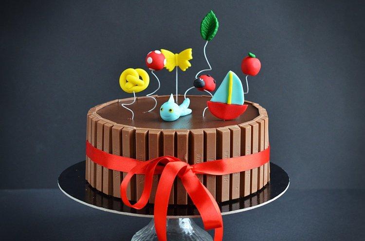 Kitkat torta óvodai ballagásra - ovis torta, fondant ovis jelek