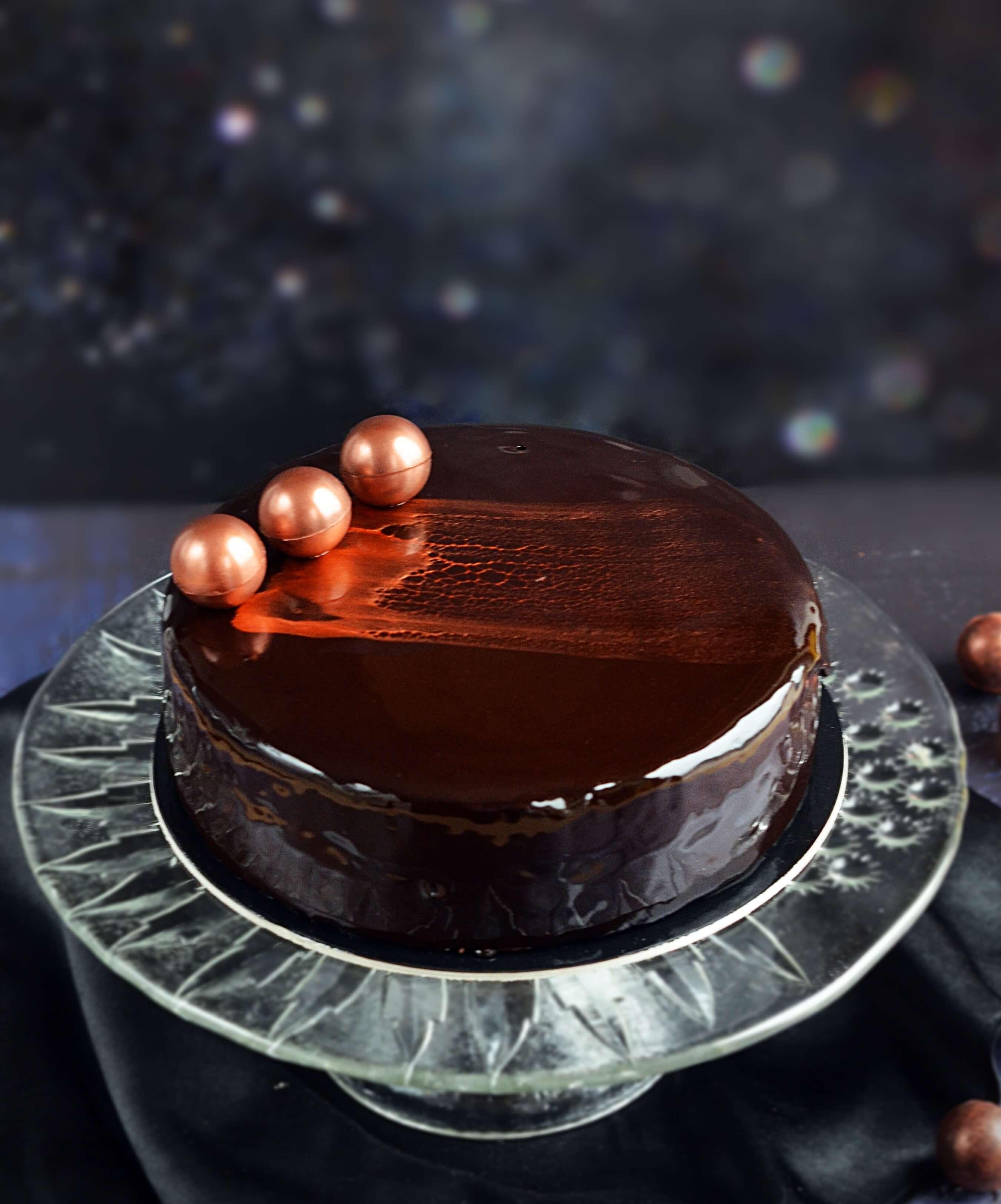 gyíkmázas tükörglazúr torta