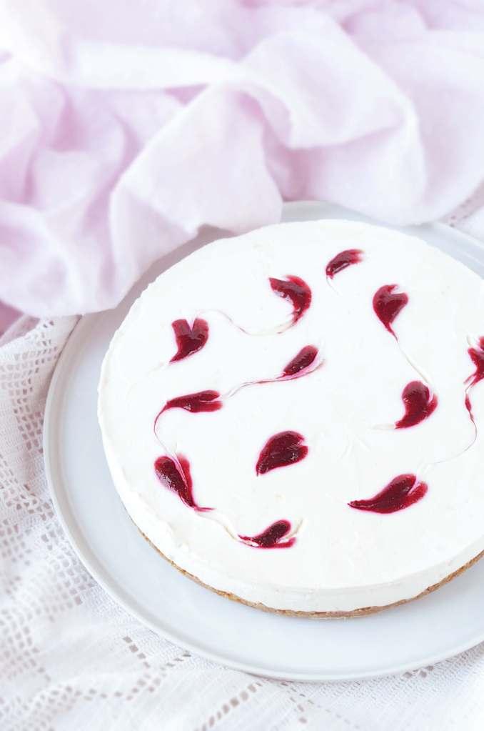 Valentin napi málna szíves sajttorta sütés nélkül