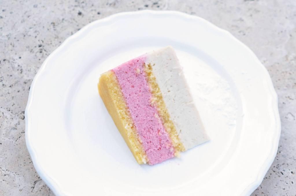 eper-kókusz mousse torta recept