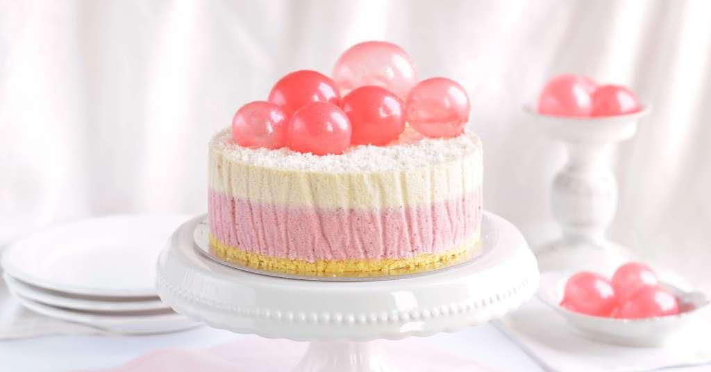 eper-kókusz mousse torta zselatin buborékokkal - zselatin lufik készítése